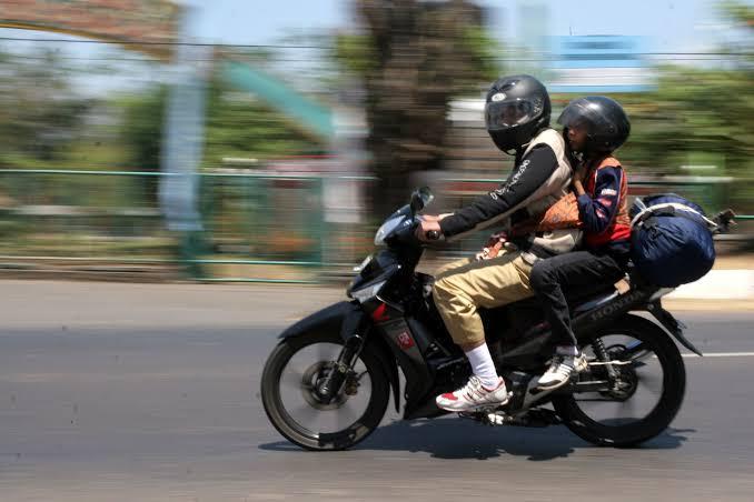 Pedoman untuk mengangkut barang pakai motor (foto: ist)