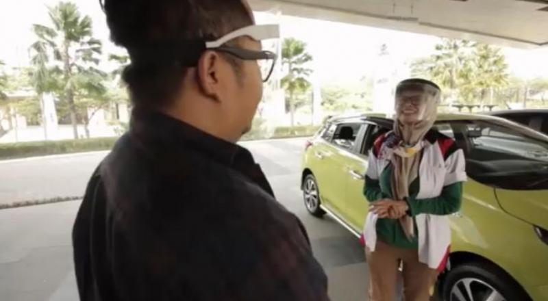 Tanya Auto kali ini mengundang Ketua Umum Toyota Yaris Community Indonesia, Tante Febby, berkesempatan menjajal city car hatchback andalan Toyota ini.