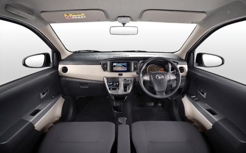 Pada sisi interior, Sigra tampil dengan sentuhan nuansa 2-tone colors, dark & light grey, yang memberikan kesan mewah.