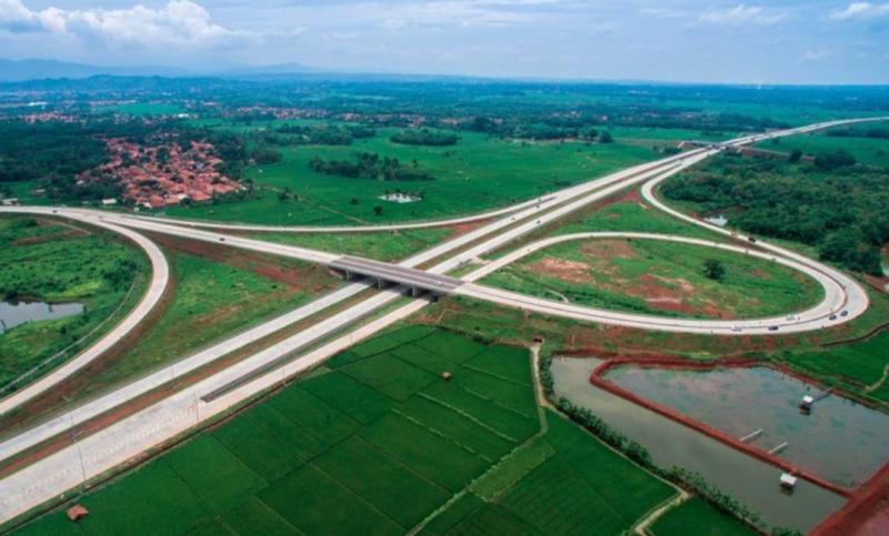 Simpang susun tol Subang termasuk dalam ruas tol Cikampek - Palimanan dengan kenaikan tarif paling besar. (foto : ist)