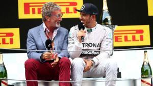 Eddie Jordan (kanan) dan Lewis Hamilton. (Foto: jalopnik)