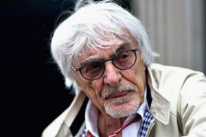 Bernie Ecclestone, berlarut-larutnya soal perpanjangan kontrak Lewis Hamilton di Mercedes hanya sebuah drama untuk kepentingan publisitas
