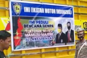 Tiga truk dan 1 unit mobil bak terbuka bantuan makanan dari IMI kepada korban gempa di Sulawesi Barat