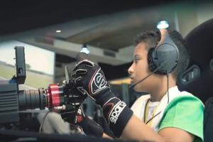 Qarrar Firhand, selain tetap berlatih gokart di Sentul, juga mengasah skill di P1 Akademi Digital Motorsport Indonesia, Jl Radio, Jaksel