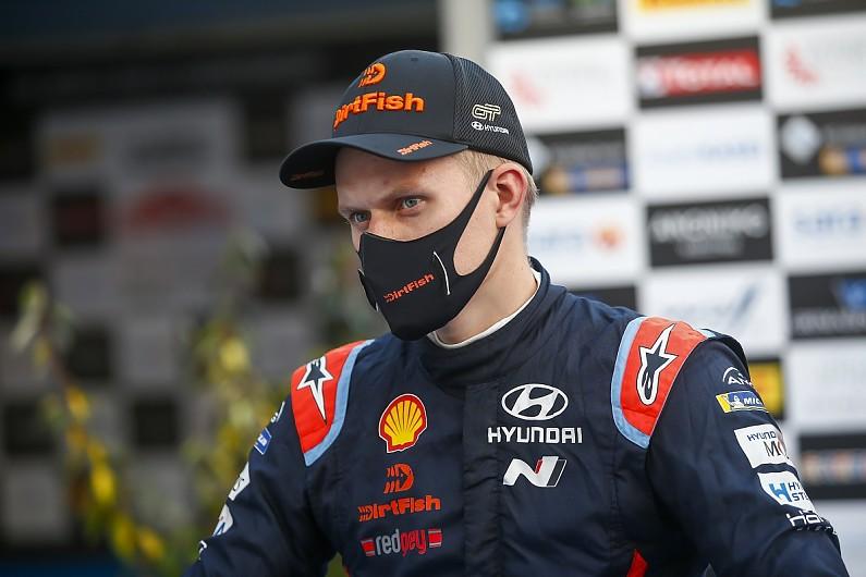 Ott Tanak (Estonia) merasa semakin nyaman dan mantap tahun ini di atas Hyundai i20 WRC. (Foto: autosport)