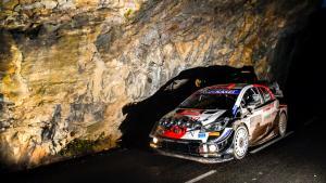 Sebastien Ogier di atas Yaris WRC, dominan di hari kedua Rally Monte Carlo. (Foto: wrc)