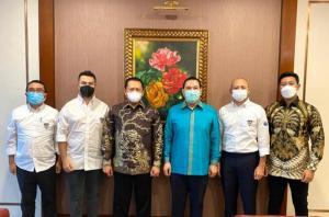 Pengurus IMI Pusat dipimpin Bamsoet, menemui Tommy Soeharto untuk ikut mengembangkan sport automotive tourism di Indonesia