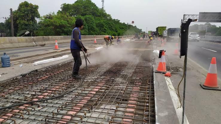 Pengerjaan pemeliharaan jembatan di Tol Jagorawi kembali dilakukan dan menyebabkan penutupan sebagian jalur