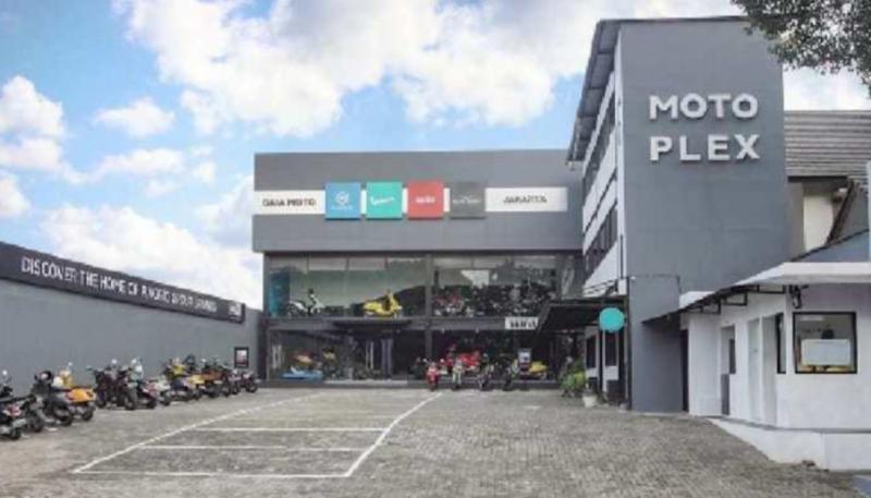 Diler baru PT Piaggio Indonesia di jalan Antasari, Cilandak, Jakarta Selatan