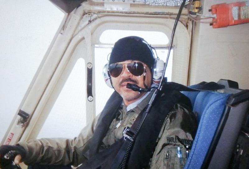 Noor Alamsyah, seorang pilot helikopter yang keranjingan berat hobi offroad. (foto : dok pribadi)