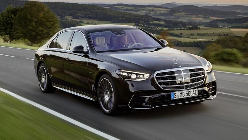 Mercedes-Benz USA akan menarik (recall) 1,29 juta unit mobil karena mengalami kegagalan pada perangkat lunak pada sistem komunikasi lokasi.