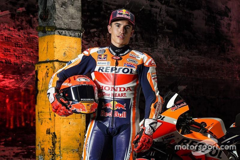Marc Marquez tampil saat launching tim Repsol Honda, tanpa kejelasan kapan berlomba. (Foto: motorsport)