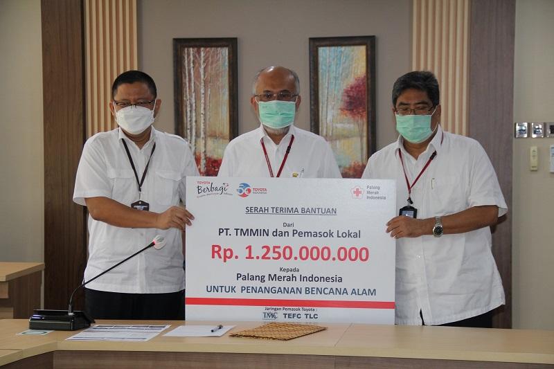 Toyota Manufacturing donasikan bantuan 1,25 miliar untuk membentu pemulihan darah bencana di Indonesia