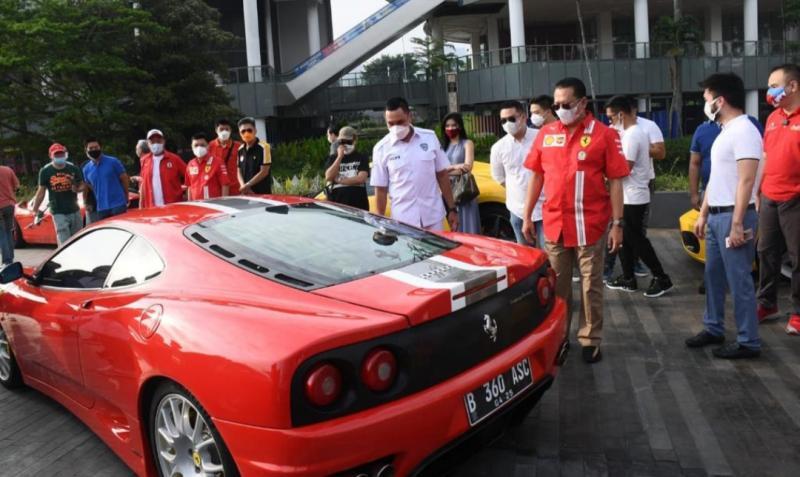 Bamsoet disambut Ahmad Sahroni sebagai pembina pada Ferrari Ghatering FOCI di Jakarta hari ini