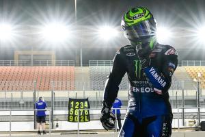Cal Crutchlow (Inggris/Tester Yamaha) usai kecelakaan saat winter test MotoGP 2021 di Qatar. (Foto: crash)