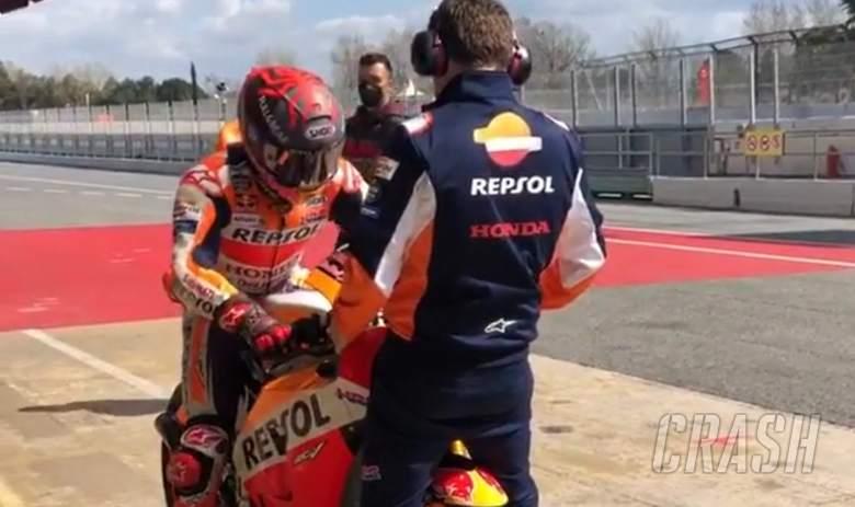 Marc Marquez mulai berlatih dengan Honda RC213V-S di Sirkuit Barcelona, Spanyol. Persiapan ke GP Qatar? (Foto: crash)