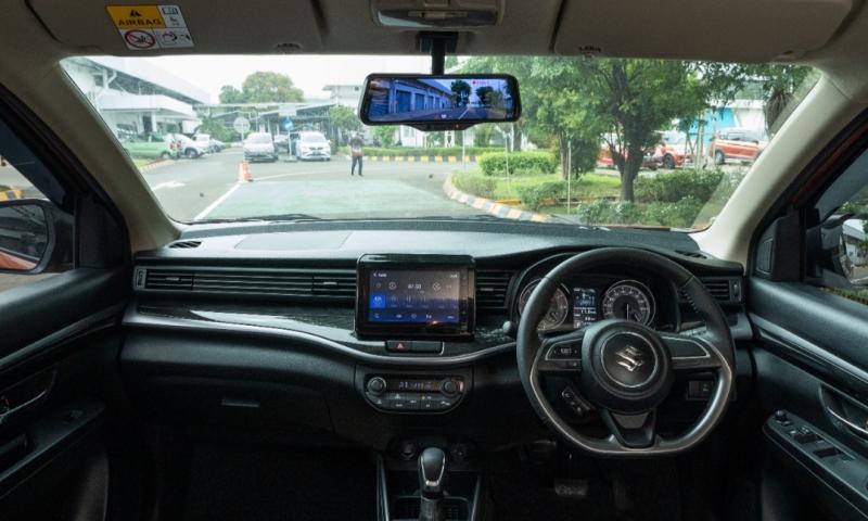 Adanya fitur Smart E-Mirror yang pertama di kelasnya menjadi salah satu alasan konsumen memilih XL7.