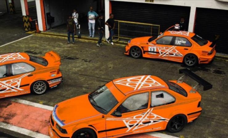 Skuad BMWCCI Jakarta Chapter Racing Team dengan livery baru siap menggebrak ajang ISSOM 2021. (foto2 : endy)