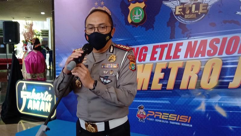 Direktur Lalu Lintas Polda Metro Jaya Kombes Pol Sambodo Purnomo Yogo saat melakukan konferensi pers tentang ETLE di Mapolda Metro Jaya