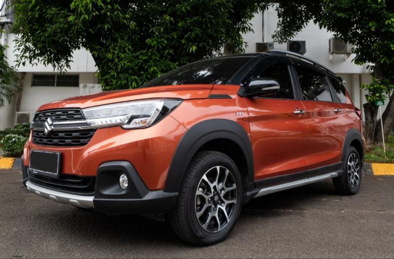 The New Extra Ordinary SUV Suzuki XL7 adalah pilihan mobil tangguh bisa digunakan di berbagai medan.