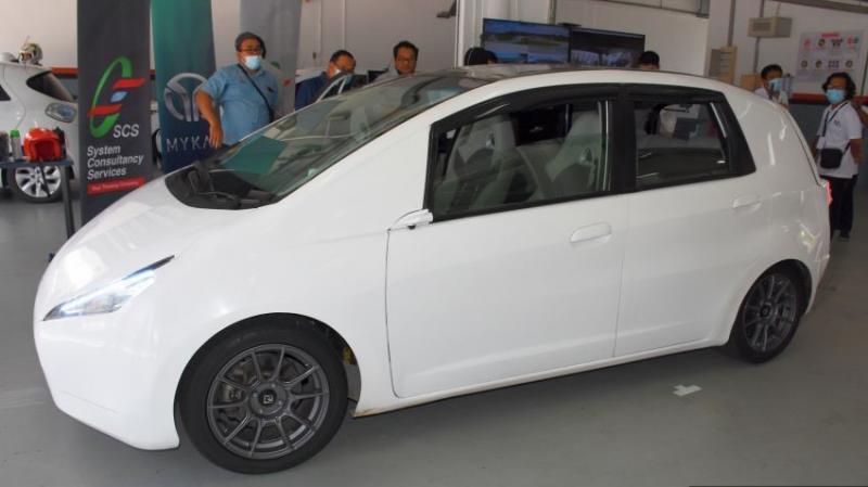 Tampang mobil listrik Malaysia bernama MyKar yang akan menjadi bahan penelitian dan pengembangan mobil listrik di Negeri Jiran