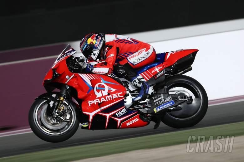 Jorge Martin (Spanyol/Pramac Ducati), pole bersejarah dalam debutnya di MotoGP. (Foto: crash)