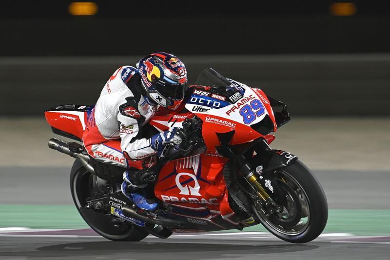 Jorge Martin (Spanyol/Pramac Ducati), pembalp  ruki di baris depan race GP Doha malam ini. (Foto: motorsport)