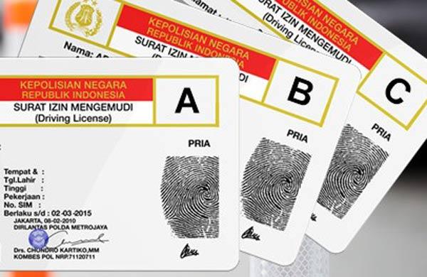 Ilustrasi Surat izin Mengemudi  (SIM) yang bisa diurus secara online melalui aplikas khusus Smartphone