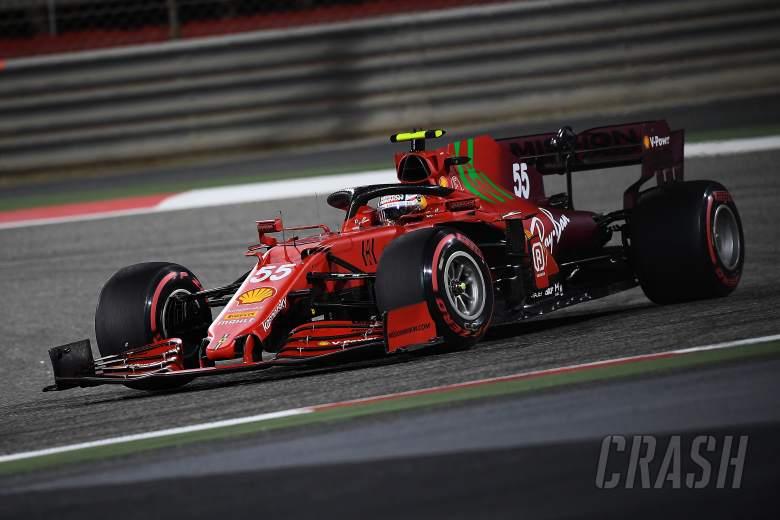 Carlos Sainz (Spanyol) meraih sukses poin perdana dalam debutnya bersama Ferrari. (Foto: crash)