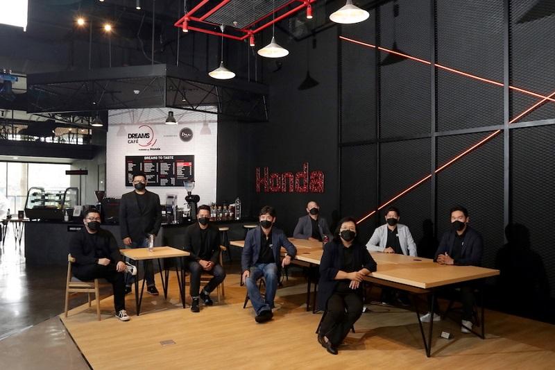 Honda meluncurkan Dreams Café pertama kali di dunia yang jadi rumah bagi pemilik Honda dan pecinta otomotif