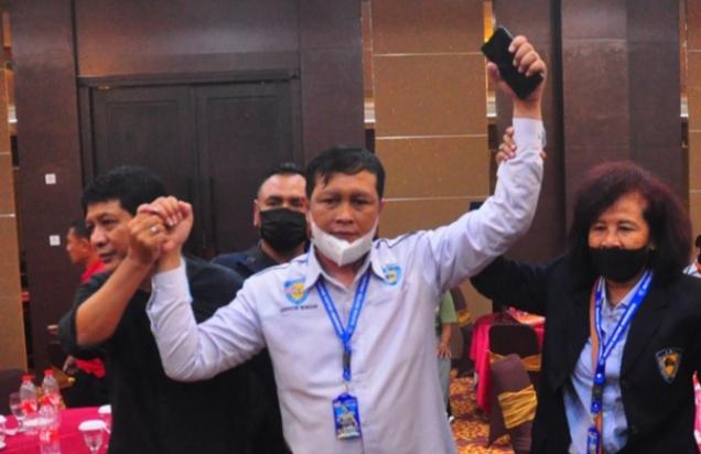 Frits Yohanes (tengah), menang pada Musprov dan dipastikan jadi Ketua Umum IMI Jawa Tengah periode 2021-2025. (foto : rinto wicaksono)