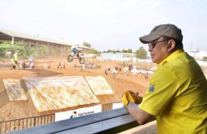 Bamsoet menyaksikan kejuaraan BOS Junior Motocross Championship khusus junior di BOS Pulo Gadung tadi sore