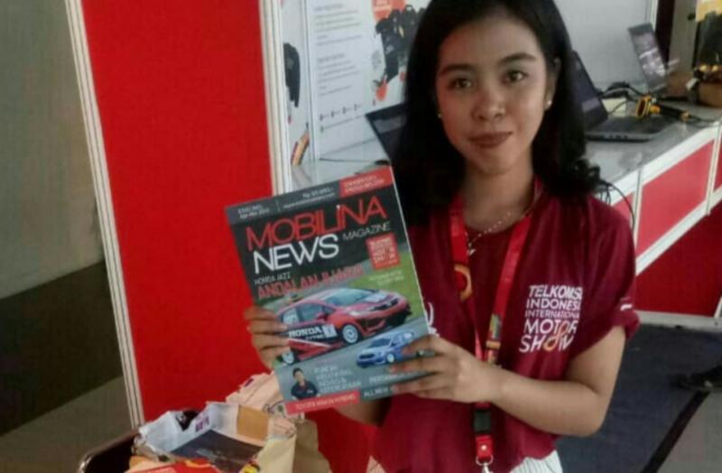 Mobilinanews Magazine edisi khusus IIMS 2019, yang bisa dibaca dan bawa pulang pengunjung IIMS di JI-Expo Kemayoran, Jakarta. (foto : dok mobilinanews)