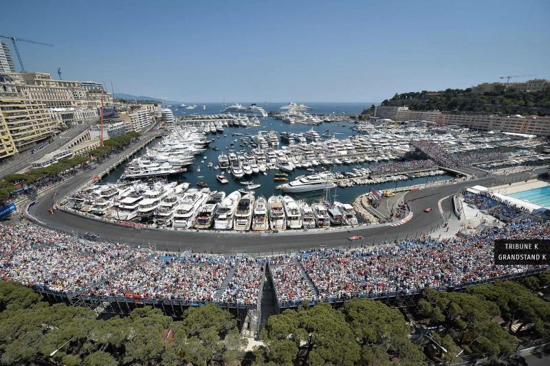 Tribun Tabac di Sirkuit Monte Carlo yang akn jadi tribun khusus fans Charlese Leclerc (Ferrari) di GP Monaco 2021. (Foto: ist)
