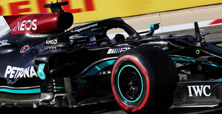 Mercedes W12 yang dianggap defisit di beberapa area dibandingkan RB16B milik Red Bull. (Foto: gpblog)