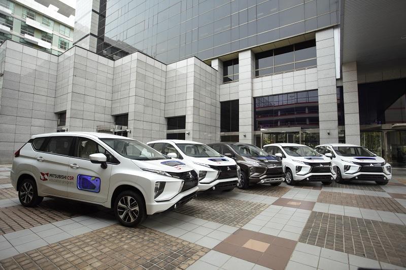 Deretan mobil Xpander yang akan didonasikan Mitsubishi kepada 5 SKMK binaan untuk membantu praktek siswa