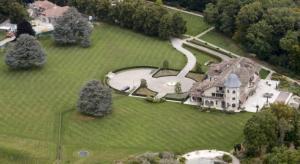 Kompleks perumahan Michael Schumacher di Swiss yang kabarnya segera dijual. (Foto: grandpxnews)