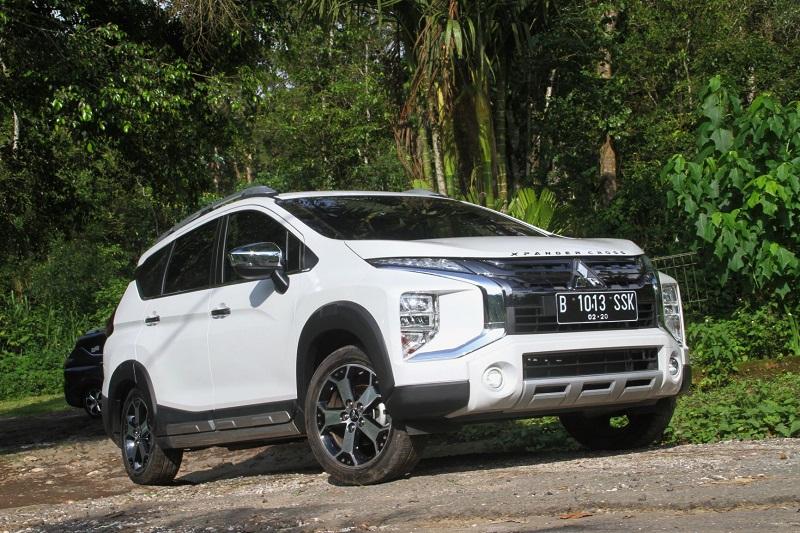 Mitsubishi Xpander Cross dalam sebuah sesi ujicoba di medan offroad