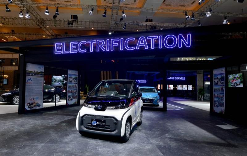 Kendaraan elektrifikasi Toyota tampil lengkap di pameran otomotif IIMS Hybrid 2021