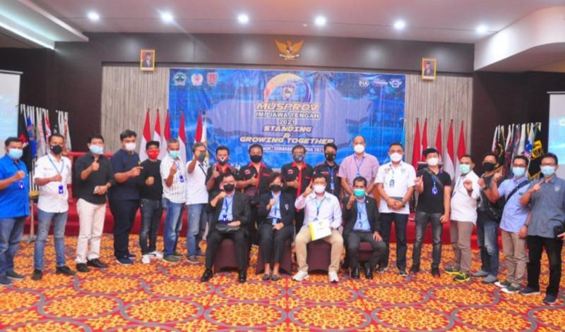 Frits Yohanes bersama Plt Ketua IMI Jateng Dr M Riyanto SH, Msi dan peserta Musprov IMI Jateng 10 April 2021 di Semarang