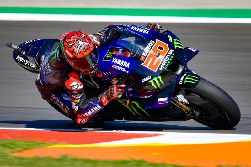 Fabio Quartararo (Yamaha) dapat warisan pole position dari Francesco Bagnaia (Ducati) di GP Portugal 2021. (Foto: ruetir)