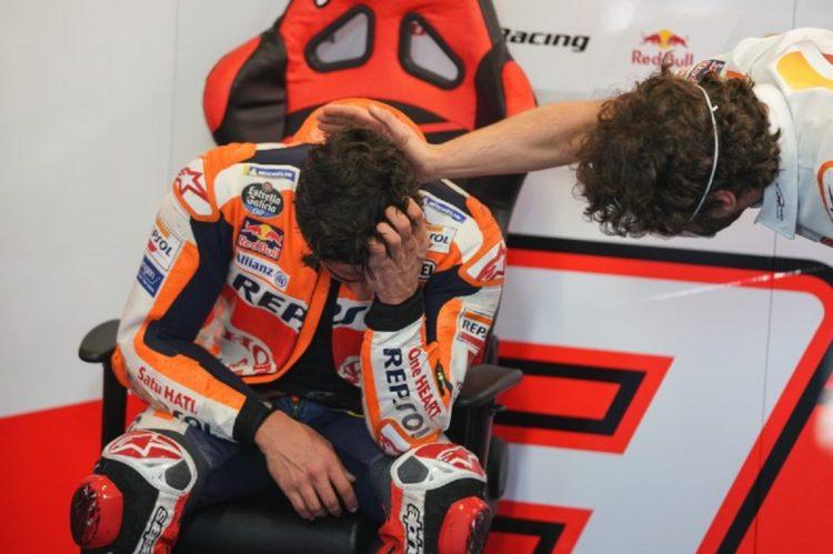Kesedihan yang melanda Marc Marquez (Spanyol/Repsol Honda) usai race GP Portugal lalu. (Foto: motorsportweek)