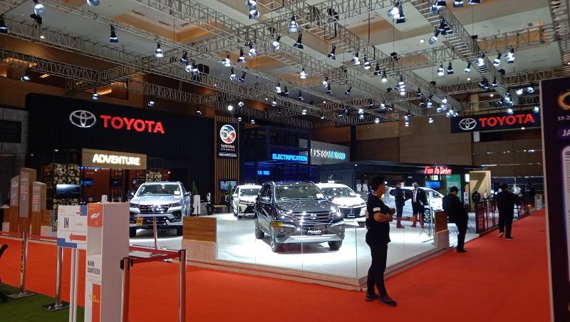 Booth Toyota yang menjadi salah satu brand yang ikut meramaikan IIMS Hybrid 2021 (foto : Mobilinanews)