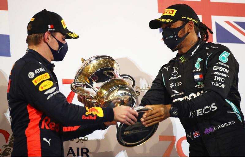 Lewus Hamilton dan Max Verstappen sudah saling mengalahkan dalam dua race awal. (Foto: planetf1)