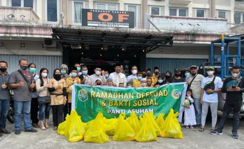 IOF Balikpapan buka puasa bersama anak yatim, club dan anggota dewan. (foto : ist)
