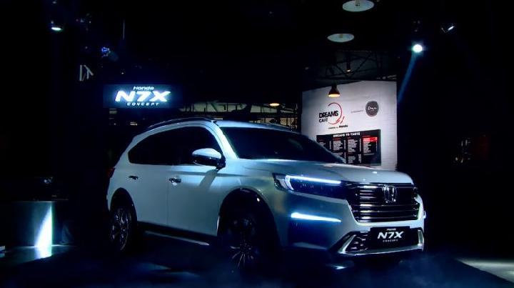 Tampang keren Honda N7X Concept yang membuat pecinta SUV penasaran