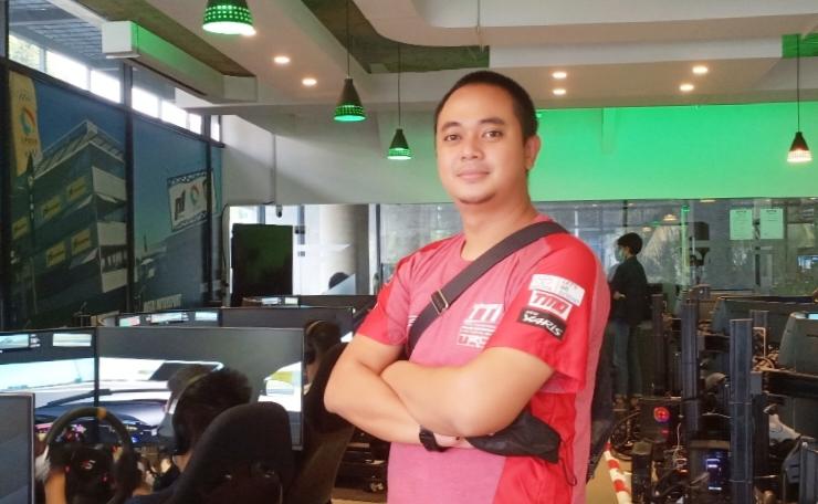 Manajer Operasional TTI Dimitri Fitra Ditama menganggap perlu skuadnya gape juga di ajang digital motorsport. (Foto : bs)