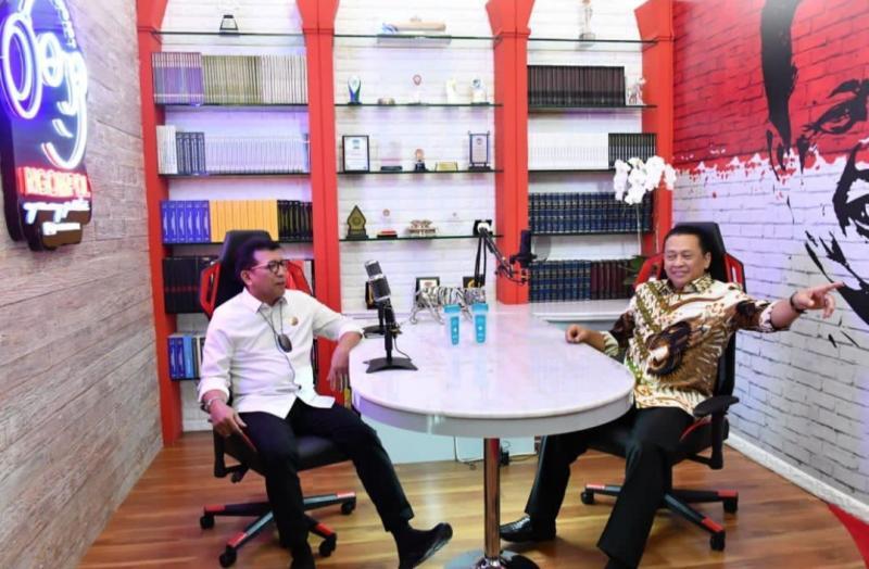 Bamsoet dan Direktur Utama PT Jasa Raharja Budi Rahardjo di acara Podtcast Ngobras Bamsoet Channel