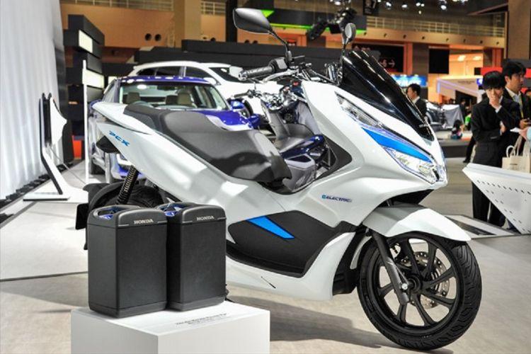Motor Listrik Honda PCX yang menjadi salah satu kendaraan yang mengaplikasikan baterai sebagai penggerak motor