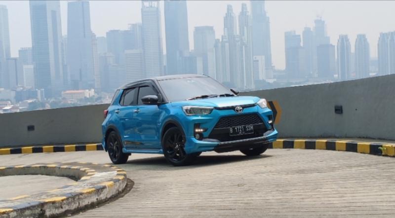 All New Toyota Raize dengan performa tangguh saat menaklukkan Tanjakan 13 di Kuningan City Jakarta. (foto : bs)